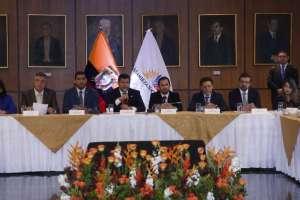 QUITO, Ecuador.- La Secretaría Anticorrupción y la Asamblea Nacional firman convenio de transparencia. Foto: API