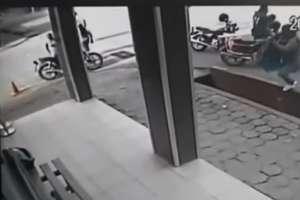Las imágenes quedaron registradas en las cámaras de seguridad de la cooperativa. Foto: Captura video
