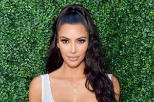 """Kardashian lanzó una prenda que considera """"celebra y estimula la forma y las curvas de la mujer"""". Foto: BBC"""