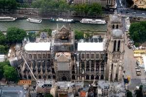 El incendio de la catedral causó conmoción en todo el mundo. Foto: AFP