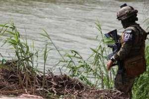 Los cuerpos fueron hallados en la orilla del río Bravo. Foto: EPA