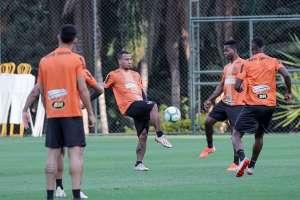 Juan Cazares en una práctica de Atlético Mineiro. Foto: Twitter Atlético Mineiro.
