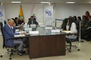 La decisión del Consejo se da tras las medidas cautelares impuestas por la justicia. Foto: API