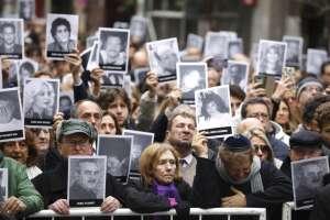 Argentina conmemora 25 años de atentado al centro judío AMIA con reclamo de justicia. Foto: AP