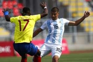 Jugadores de Argentina y Ecuador sub 20.