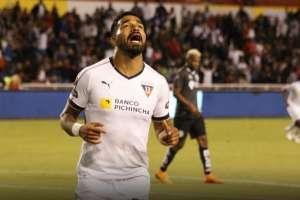 Rodrigo Aguirre festeja su gol. Foto Twitter Liga de Quito.