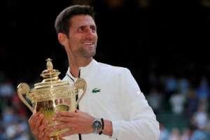 Novak Djokovic (en la imagen) se impuso a Roger Federer en la final de Wimbledon.