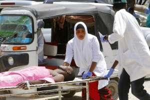 Al menos 17 muertos en la explosión de un auto bomba en Somalia. Foto: AP