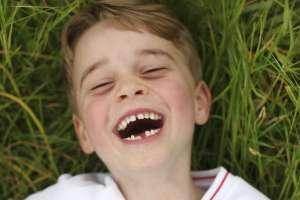 Príncipe Jorge cumple 6 años con una gran sonrisa para mamá. Foto: AP
