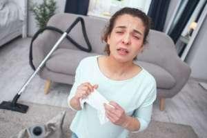 ¿Sabes qué contiene el polvo que se acumula en tu casa?