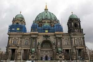 BERLÍN, Alemania.-  Una corte rechazó la demanda de una niña para ingresar al Coro Estatal de la Catedral. Foto: AP