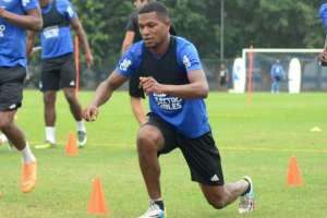 Romario Caicedo, durante la práctica azul.