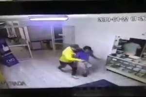 Fingen emergencia para robar en un hospital en México