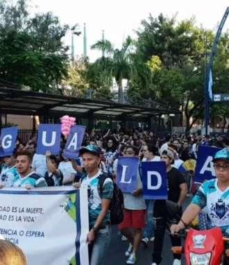 Desfile por el día del Orgullo GLBTI