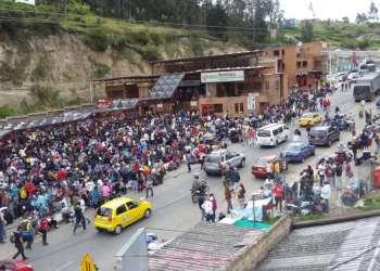 Desde Rumichaca, los viajeros se dirigieron a la Terminal terrestre de Tulcán. Foto: Cortesía