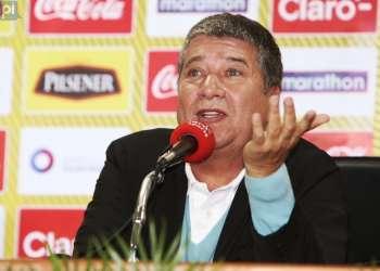 El entrenador colombiano citó a 22 jugadores del torneo nacional. Foto: API