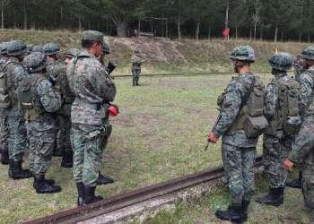Familiares de soldado desaparecido critican a ministro.