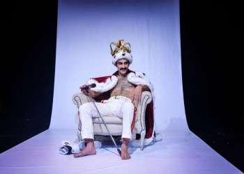 Elenco chileno estrena en Guayaquil la obra sobre la vida del icónico miembro de Queen. Foto: Teatro Sánchez Aguilar.