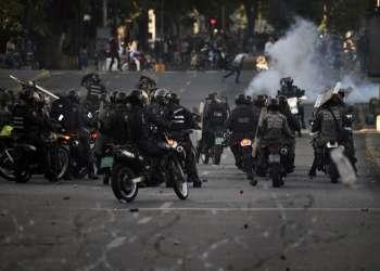 CARACAS, Venezuela.- Las muertes ocurrieron en su mayoría por heridas de arma de fuego. Foto: AFP.