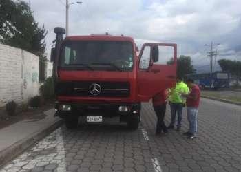"""El conductor del carro cisterna """"fue puesto a órdenes de la autoridad"""". Foto: Captura"""