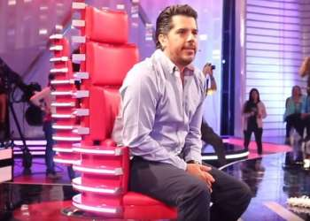 "Prueba de Amor - Backstage | Andrés Pelaccini cantando ""Solteros"""