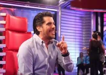 "Andrés Pelaccini cantando ""Solteros"" | Backstage - Prueba de Amor"
