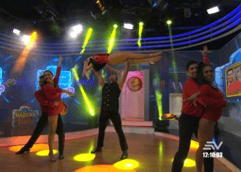"La máquina del baile VIP - Douglas y ""La Gringa"""