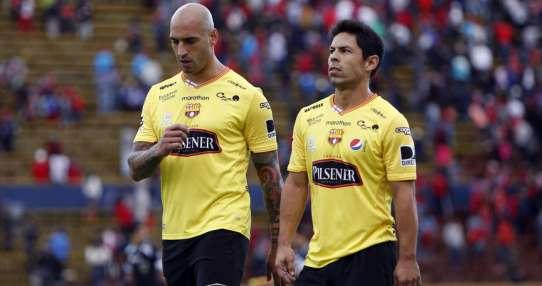Ariel Nahuelpan y Matías Oyola entraron al cambio y mejoraron el rendimiento del equipo. Foto: API