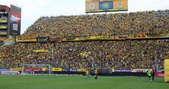 En las próximas horas arribarían los cuerpos de los fallecidos al estadio Monumental.