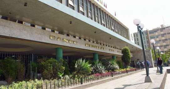 Gobierno alista mesas de trabajo con banca privada, pública y cooperativas. Foto: Archivo