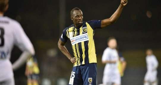 SIDNEY, Australia.- El 12 de octubre Bolt se estrenó como titular anotando un doblete. Foto: AFP
