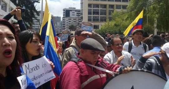 Damnificados del terremoto piden audiencia con Moreno. Foto: Referencial