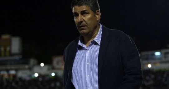 El entrenador de la 'Chatolei' admitió además los errores que cometió su elenco. Foto: AFP