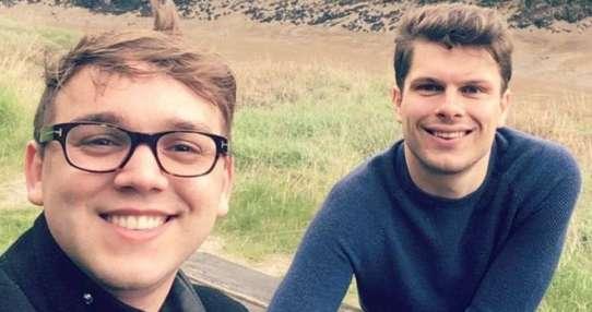 La pareja se conoció poco después de que Max fuera diagnosticado con VIH.