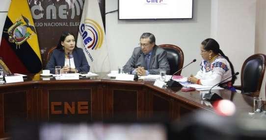 QUITO, Ecuador.- El organismo electoral detectó campaña anticipada en varias ciudades del país. Foto: CNE.