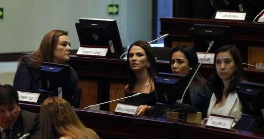 QUITO, Ecuador.- Según la asambleísta, lo denunciado por su exasesor es mentira y Fiscalía debe tomar acciones. Foto: API