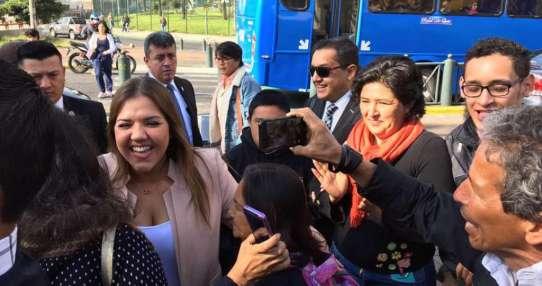 Exvicepresidenta Vicuña se reincorporó a sus funciones en el Servicio de Rentas Internas. Foto: API