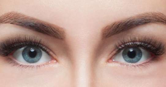 El contacto visual cambia lo que pensamos sobre la persona que nos mira.
