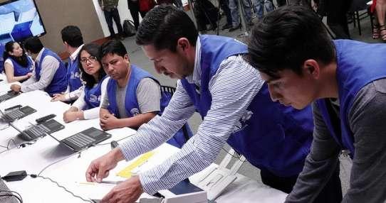 ECUADOR.- El CNE realiza pruebas al sistema informático que utilizará en los comicios seccionales. Foto: CNE