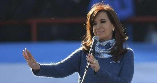 Fernández fue procesada por presuntos sobreprecios pagados en importación de gas licuado. Foto: Archivo AFP
