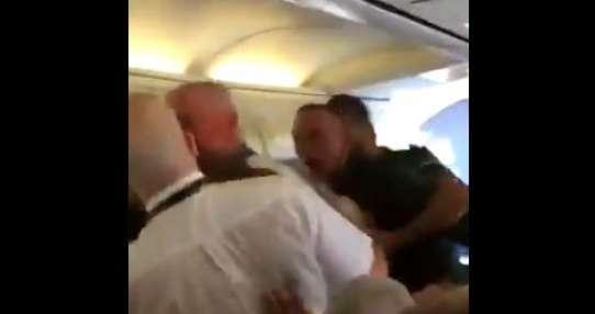 El video fue registrado a bordo de un vuelo entre Glasgow y Tenerife Sur. Foto: Captura de video