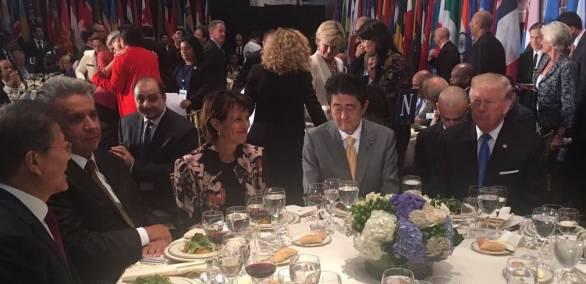 NUEVA YORK, EE.UU.- El presidente Lenín Moreno en el almuerzo ofrecido por el secretario de la ONU. A la derecha de Moreno se encuentra Doris Leuthard, Consejera Federal de Suiza; Shinzō Abe, primer ministro de Japón y Donald Trump, presidente de Estados Unidos. A su izquierda se encuentra el presidente de Corea del Sur, Moon Jae-in, y Alpha Condé, líder de Guinea.