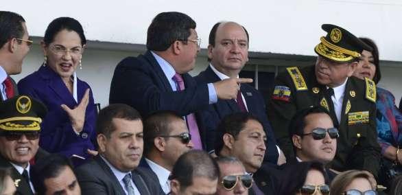 El fiscal general Carlos Baca Mancheno, confirmó que está vigente la orden de captura en contra del activista y periodista Fernando Villavicencio. Foto: API
