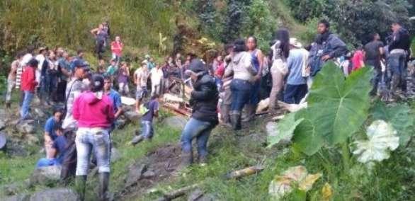 Al menos 14 personas murieron y 35 resultaron heridas en un accidente de autobús en Colombia  Foto: El espectador