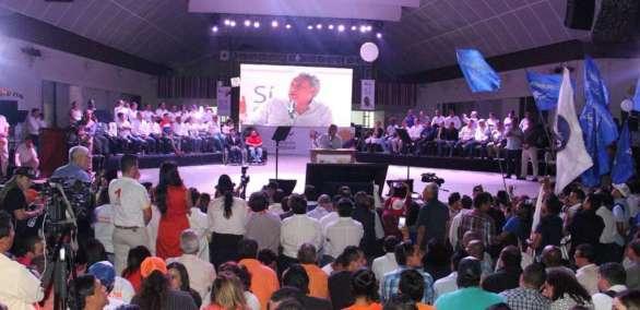 Presidente participó en encuentro con agrupación formada por colectivos y organizaciones. Foto: Twitter El Ciudadano