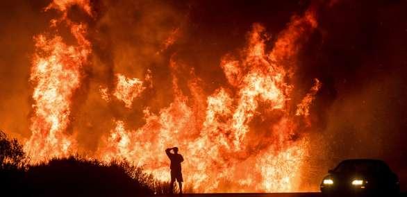 """Incendio """"Thomas"""" ha carbonizado casi 95.000 hectáreas. Foto: AP"""