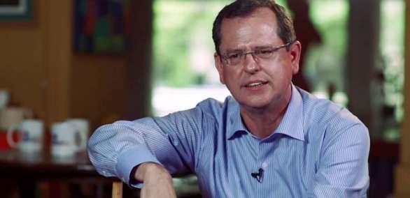 El entrevistador tuvo desacuerdos con la política editorial de los medios públicos. Foto: Tomado de Youtube.