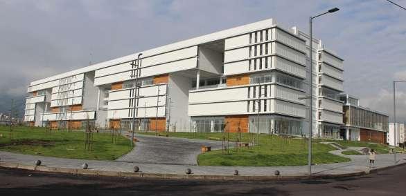 QUITO, Ecuador.- Esta edificación, que se levanta al sur de Quito, albergará a cerca de 10 entidades públicas. Foto: Inmobiliar
