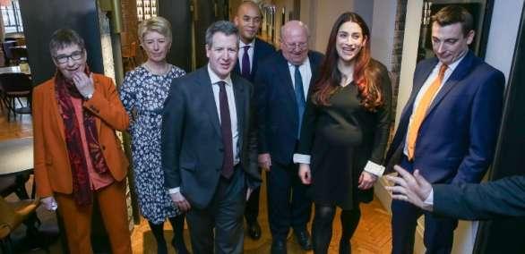 LONDRES, Reino Unido.- El movimiento británico se divide y un sector encabeza campaña a favor de otro referéndum. Foto: AFP.