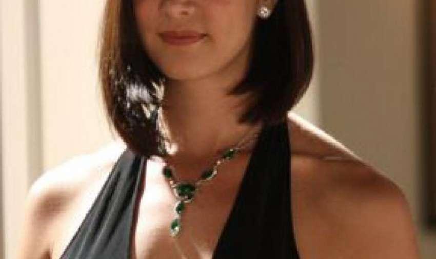 Spear ganó el Miss Venezuela en el año 2004.
